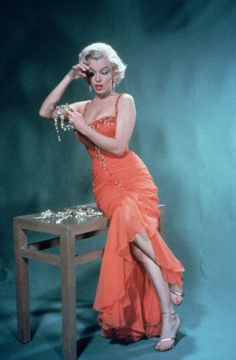 11 знаменитых блондинок Голливуда, удачно примеривших темный цвет волос