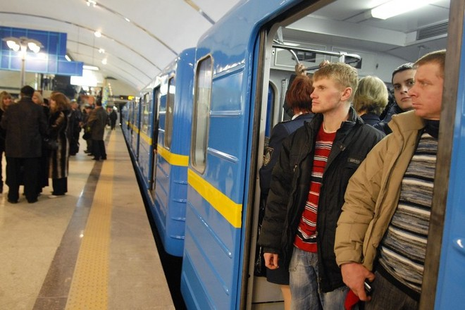Киевский метрополитен может остановиться из-за долгов