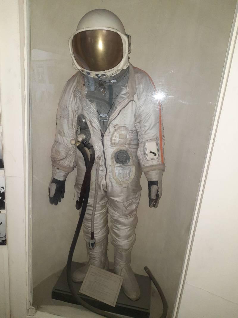 Скафандр «Ястреб» для работы в открытом космосе