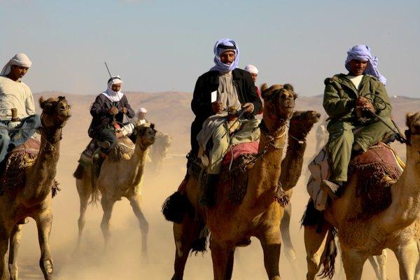 «Не стоило трогать русских»: Бедуины в пустыне по ошибке наткнулись на Спецназ РФ.