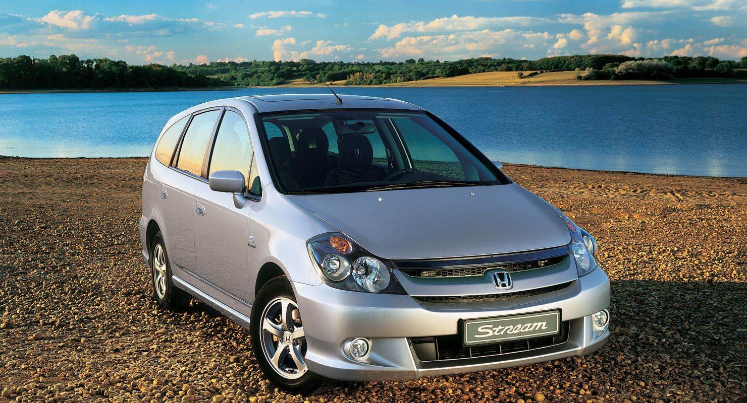 Обзор семейного автомобиля Honda Stream Автомобили