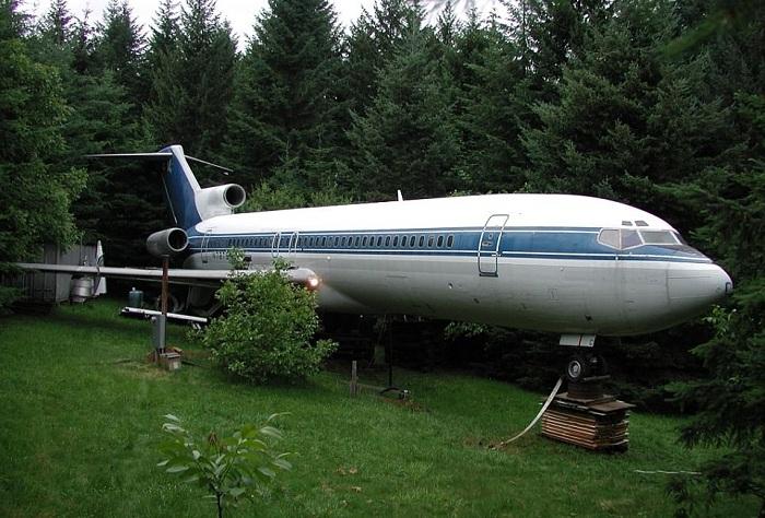 Мужчина приобрел самолет за 220 000 долларов и сделал из него себе настоящий дом
