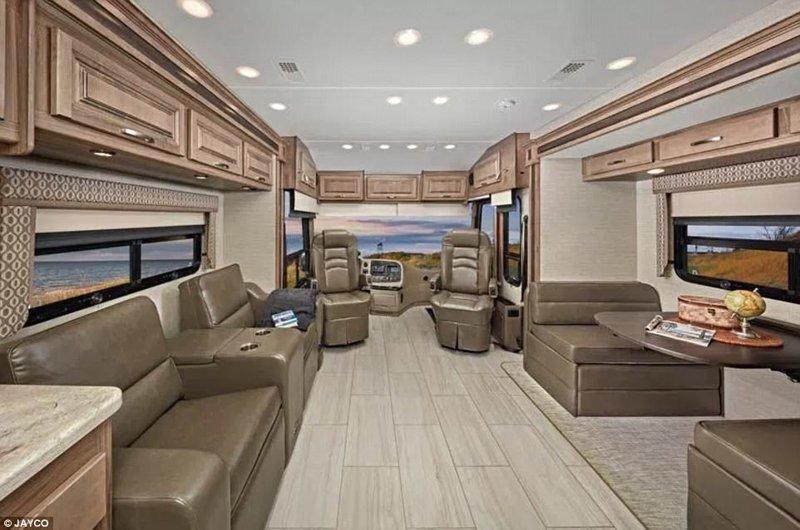 Как выглядит дом на колесах за 300 000 долларов Роскошный дом, автодом, вот это да!, дом на колесах, дом на колёсах, кемпер, мобильный дом, ничего себе