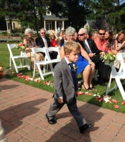 Прикольные свадебные фотографии, которые заставят вас улыбаться
