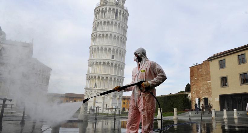 Как дезинфицируют исторические объекты, пока они не окружены толпами туристов