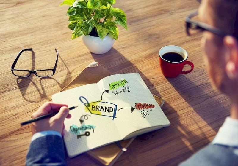 Почему мы покупаем: как маркетологи управляют нашим сознанием