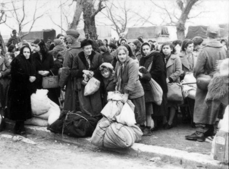 Как блестящая ложь врачей спасла евреев от неминуемой смерти в 1943 году
