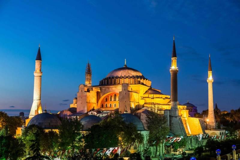 Эрдоган предложил вернуть собору Святой Софии статус мечети