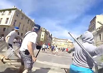 Россиянин снял на видео побоище русских фанатов с англичанами в Марселе от первого лица