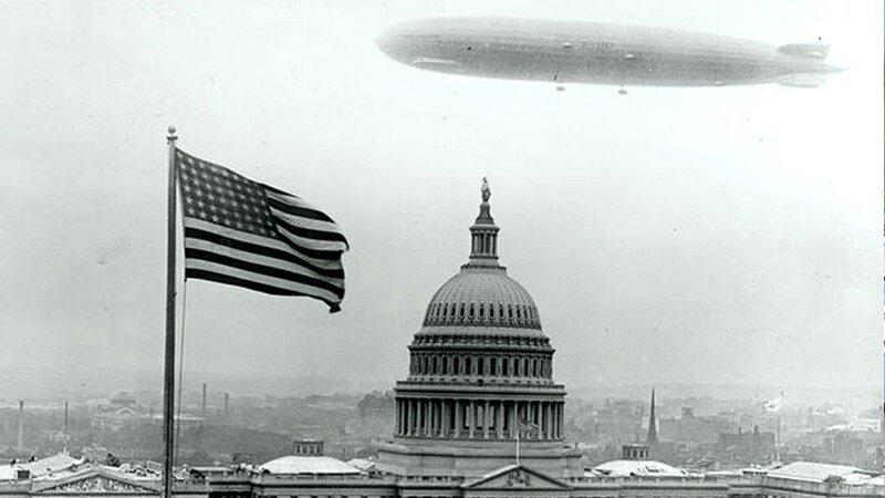 1928, Цеппелин, плавающий над Вашингтоном.