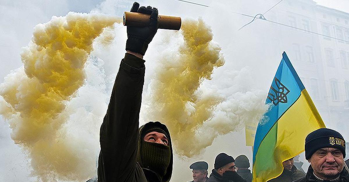 Недовольство президентом и политическим классом Украины бьет рекорды прошлых лет