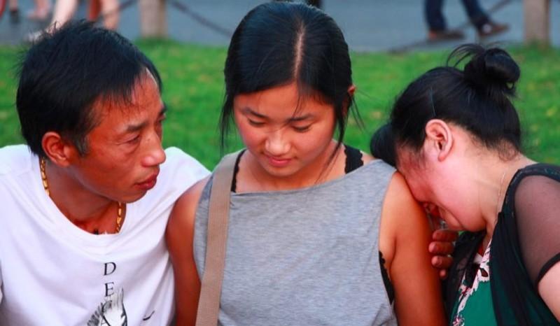 Китайская пара бросила новорожденную дочь, но все это время надеялась на встречу