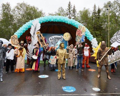 В Мончегорске прошел парад л…