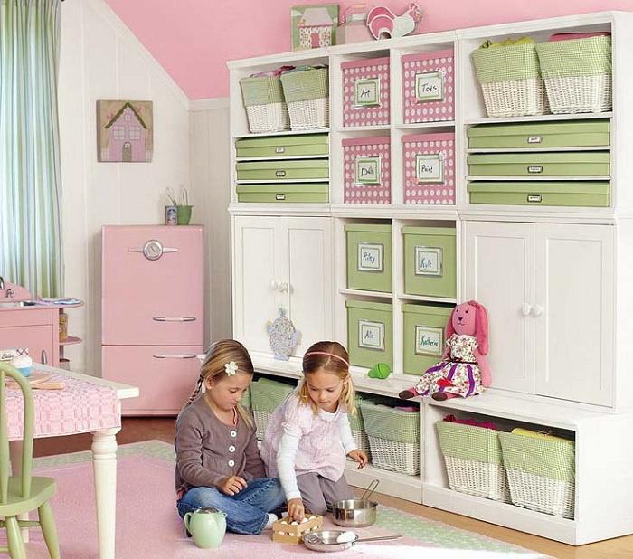 В детской комнате симметрия придаст особой чистоты и порядка.