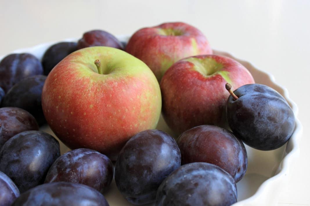 Какие фрукты помогают от запора: список полезных плодов здоровье,пищеварение,яблоки