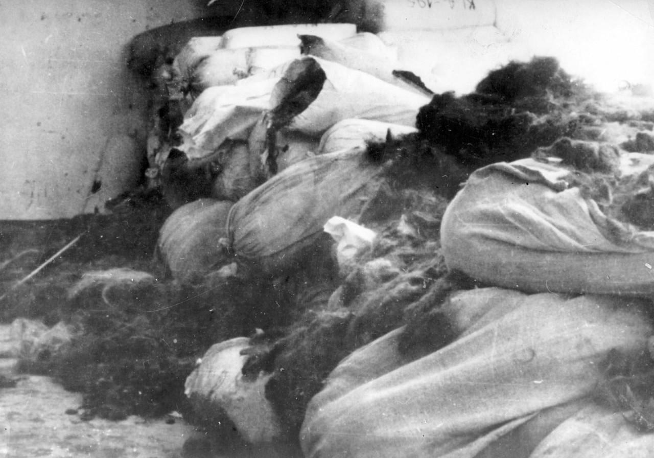 Семь тонн волос убитых заключенных, найденные после освобождения Аушвица аушвиц, вторая мировая война, день памяти, конц.лагерь, концентрационный лагерь, освенцим, узники, холокост