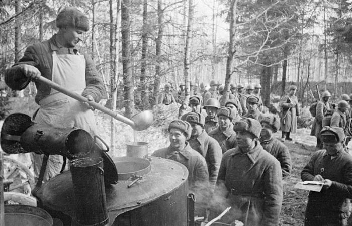Чем кормили советских фронтовиков ВОВ
