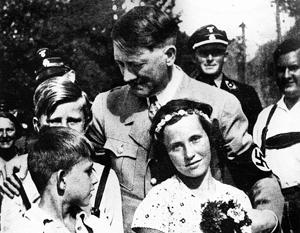ЦРУ засекретило гомосексуализм Гитлера