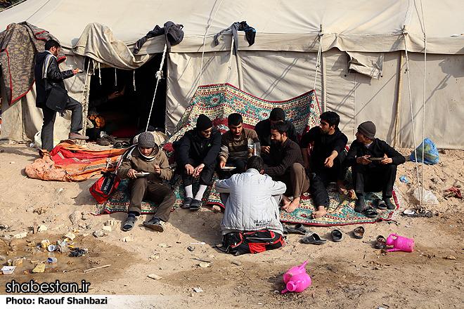 """Премьер-министр Венгрии назвал беженцев """"мусульманскими захватчиками"""""""