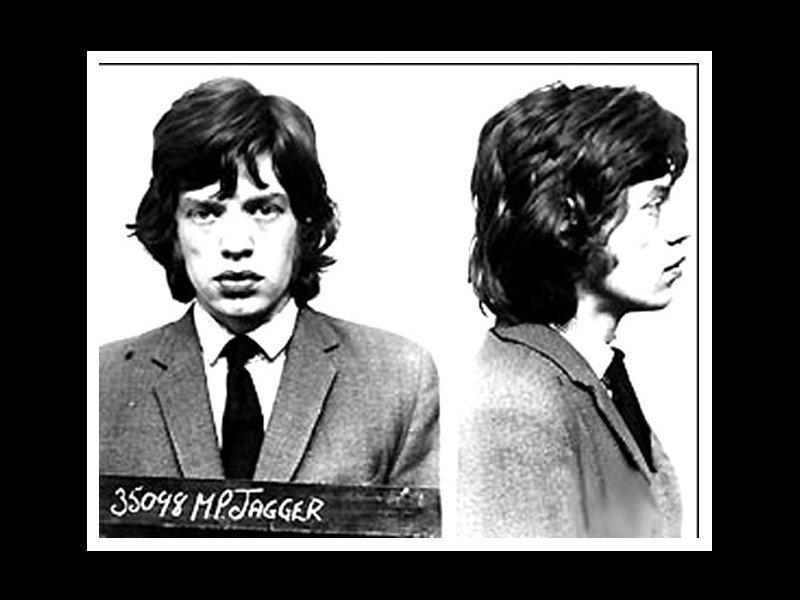 Мик Джаггер. 1967 год. Незаконное хранение наркотиков. арест, звезды, полиция, правонарушение