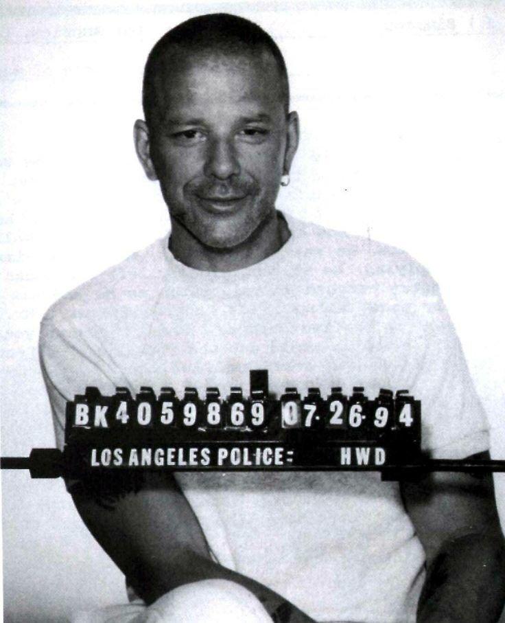 Микки Рурк. 1994 год. Подозрение в жестоком обращении с супругой. арест, звезды, полиция, правонарушение