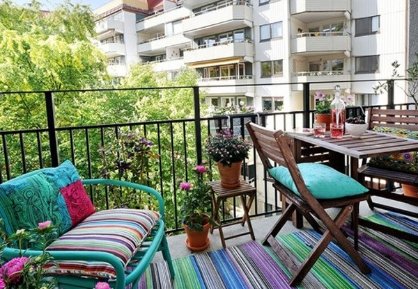 modern-outdoor-furniture-balcony-with-flower-decor