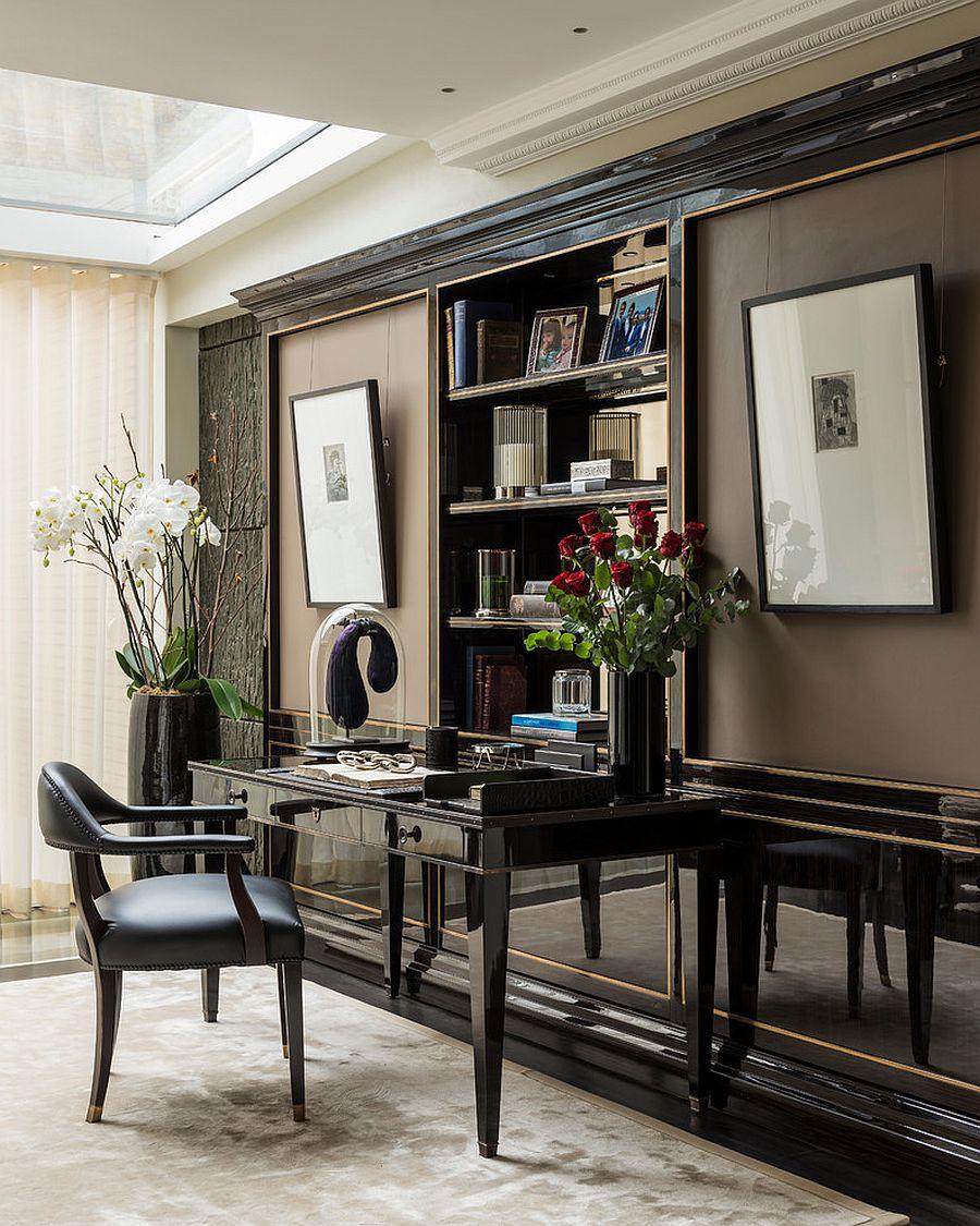 Цветы - яркий элемент декора в домашнем мини-офисе