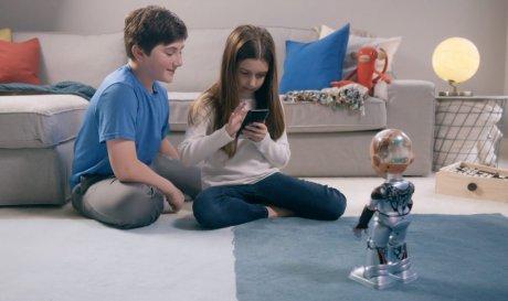 У знаменитого робота Софии появилась младшая сестра гаджеты