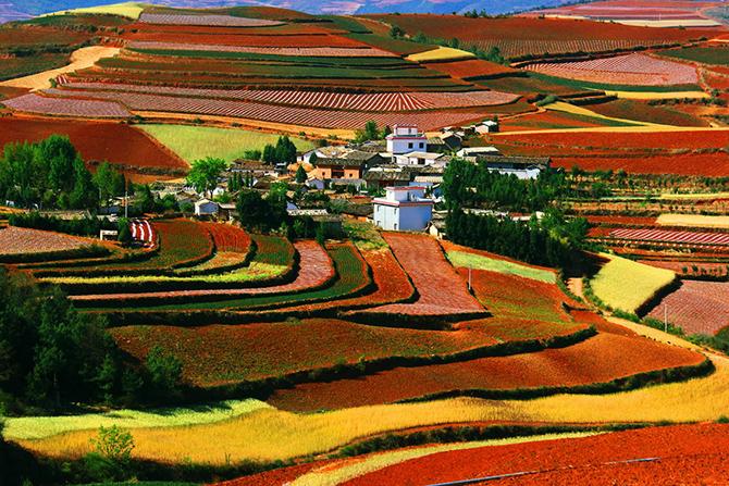 Потрясающие фотографии красных земель Дончуаня