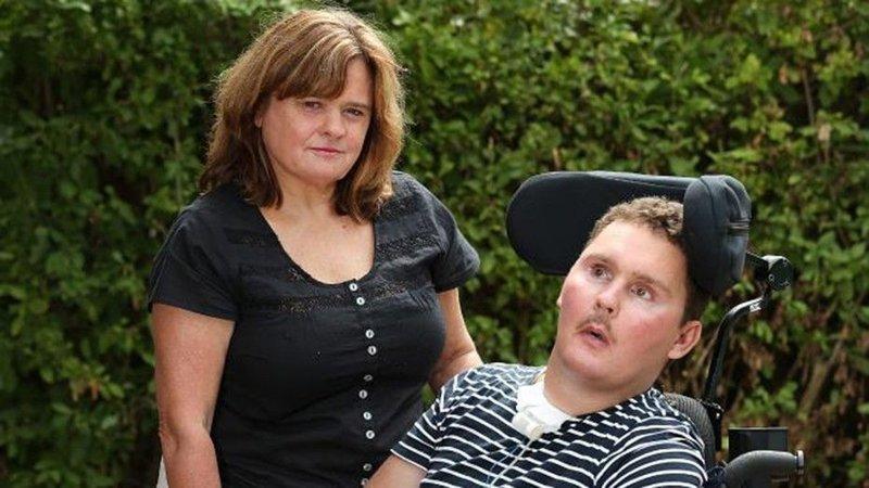 Улитка отправила 19-летнего спортсмена в кому больница, инфекция, паралич, пьяная вечеринка, спор, улитка