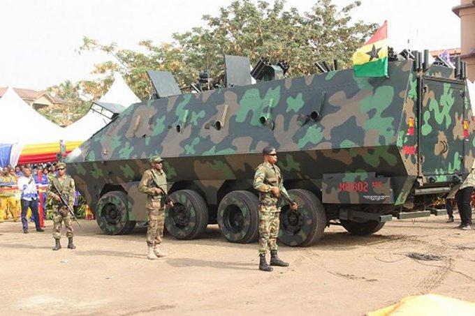 Гана удивила бронемобилем и боевым экзоскелетом местного производства