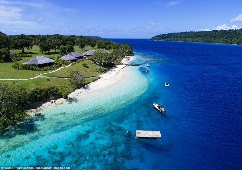 Кристально чистый голубой океан и коралловые рифы у берега ynews, остров, продается, продается остров, рай, райское место, тихий океан, тропический курорт
