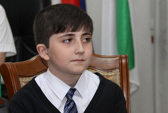Путин вернул школьнику деньги, высланные им на преодоление кризиса