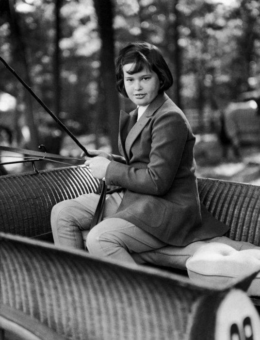 Глория Вандербилт в детстве. / Фото: www.gettyimages.com