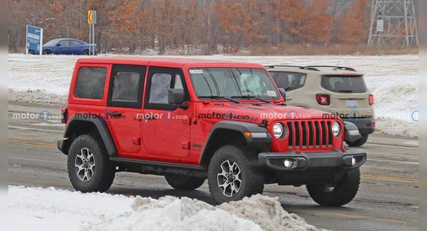 На дорогах заметили обновленную версию Jeep Wrangler с половинчатыми дверьми Автомобили