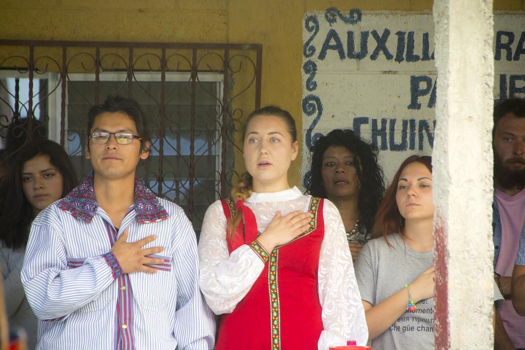 Как простая русская женщина Вика стала богом в Гватемале всего, который, которая, может, Потому, таблетку, когда, больницу, богом, женщина, благотворительной, молочница, жизни, Гватемале, клиники, глазом, стране, случай, жизнь, укуса