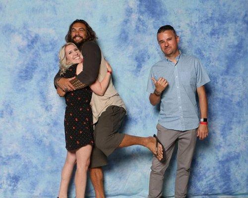 Вот как Джейсон Момоа троллит парней, когда пары просят совместное с ним фото джейсон момоа