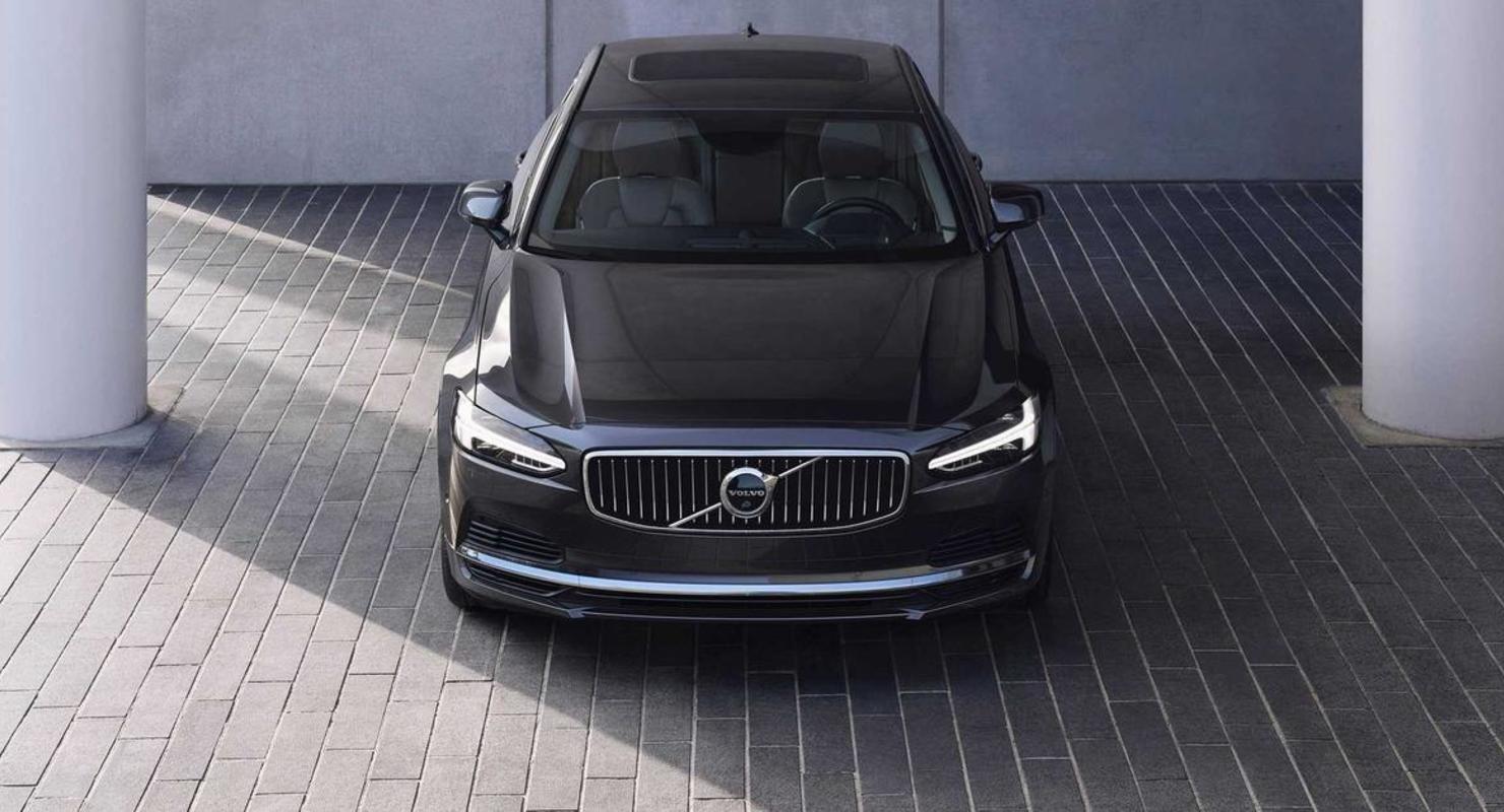 Volvo сократит линейку седанов и универсалов ради кроссов Автомобили