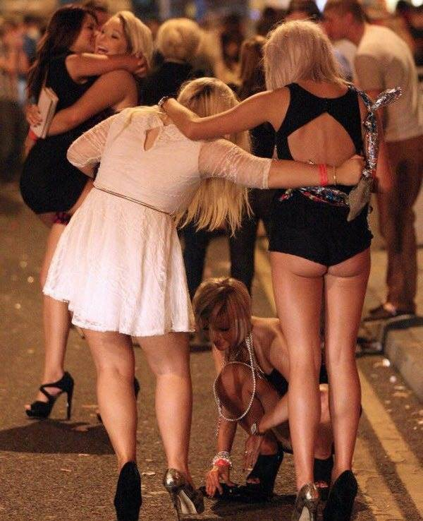 Drunk british girls new years pictures — pic 3