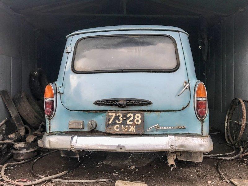 В этом гараже машина простояла несколько лет Москвич-430, авто, азлк, москвич, находка, олдтаймер, ретро авто, фургон