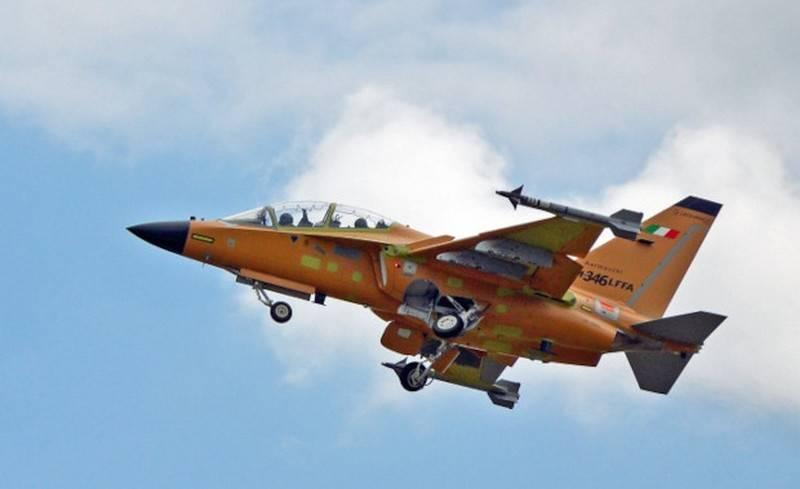 Итальянский лёгкий истребитель М-346FA совершил первый полёт ввс