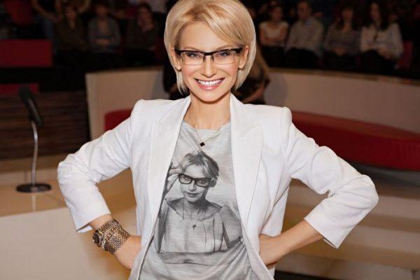 Ошеломленным поклонникам Эвелины Хромченко не верится, что у нее есть такой взрослый сын