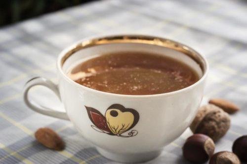 Экзотический чай с бананом, имбирем и соком апельсина