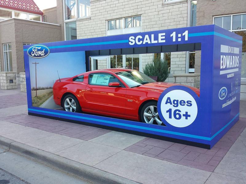 Отличная реклама Ford. Модель 1:1. большие игрушки, большие мальчики, прикол, юмор