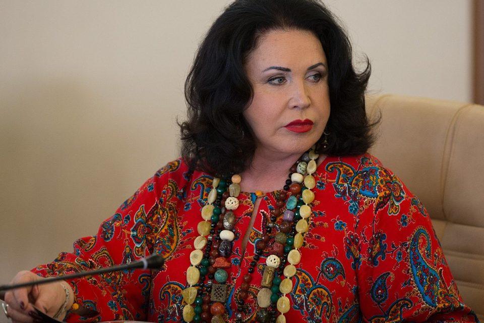 68-летнюю Бабкину уличили в махинациях с деньгами