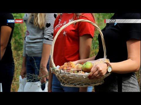 Студенты на передовой передали домашнюю выпечку защитникам ЛНР