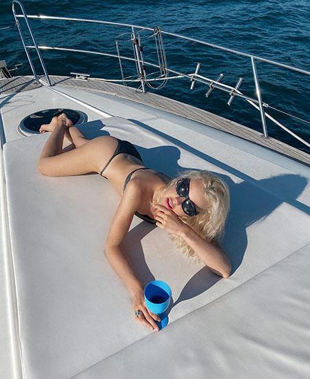 Лето, не уходи: как Кристина Асмус, Ким Кардашьян и другие звезды продлевают сезон СтаиКитов,Экстерьер