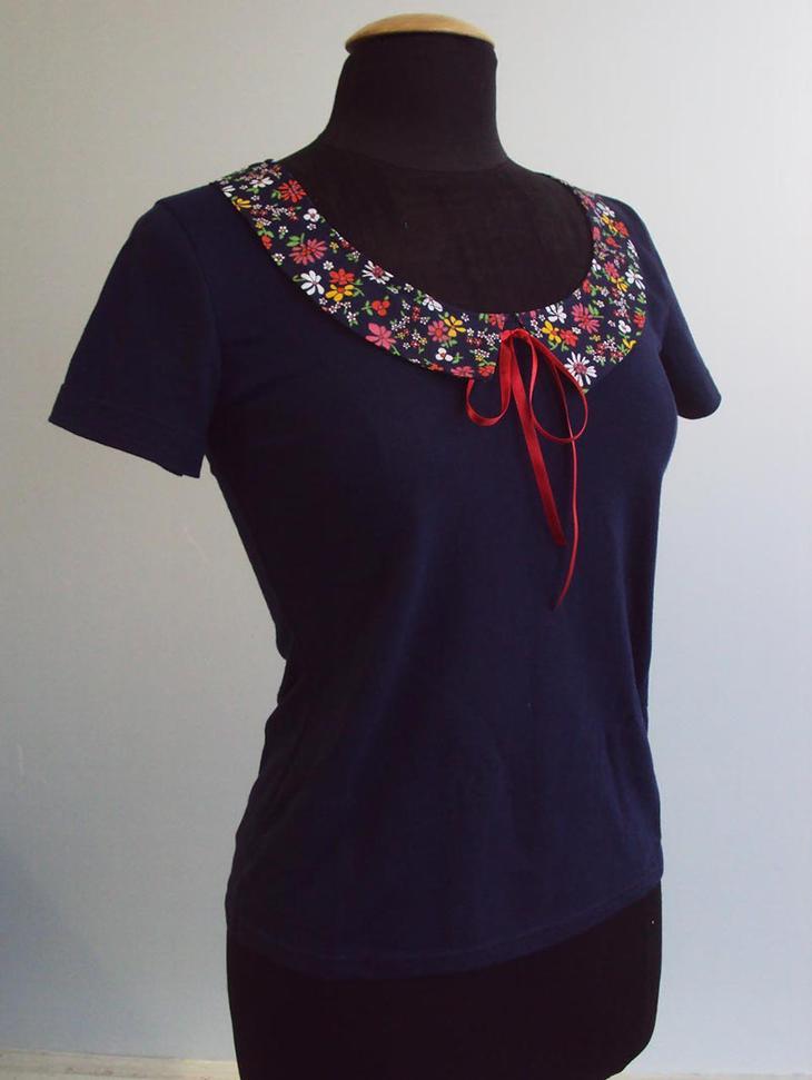 Декорирование футболки отложным воротничком