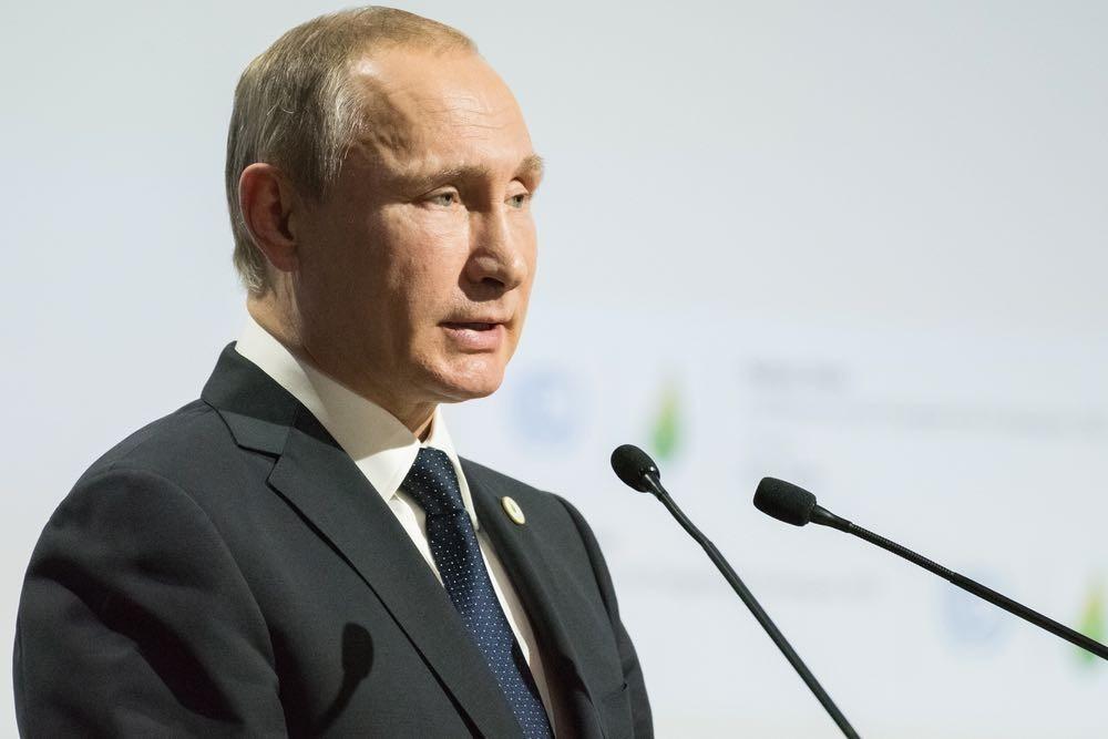 Владимир Путин погнал поганой метлой дипломатов: Госдеп США распустил слюни