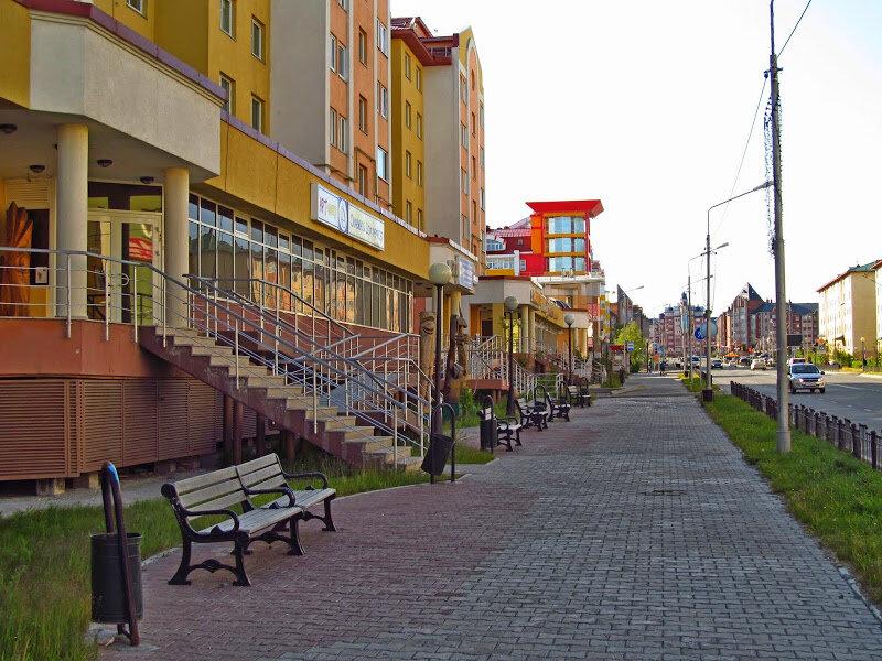 Вообще, город Салехард - один из самых старых городов крайнего Севера, основан ещё в XVI веке. До 1933 года он назывался Обдорском.